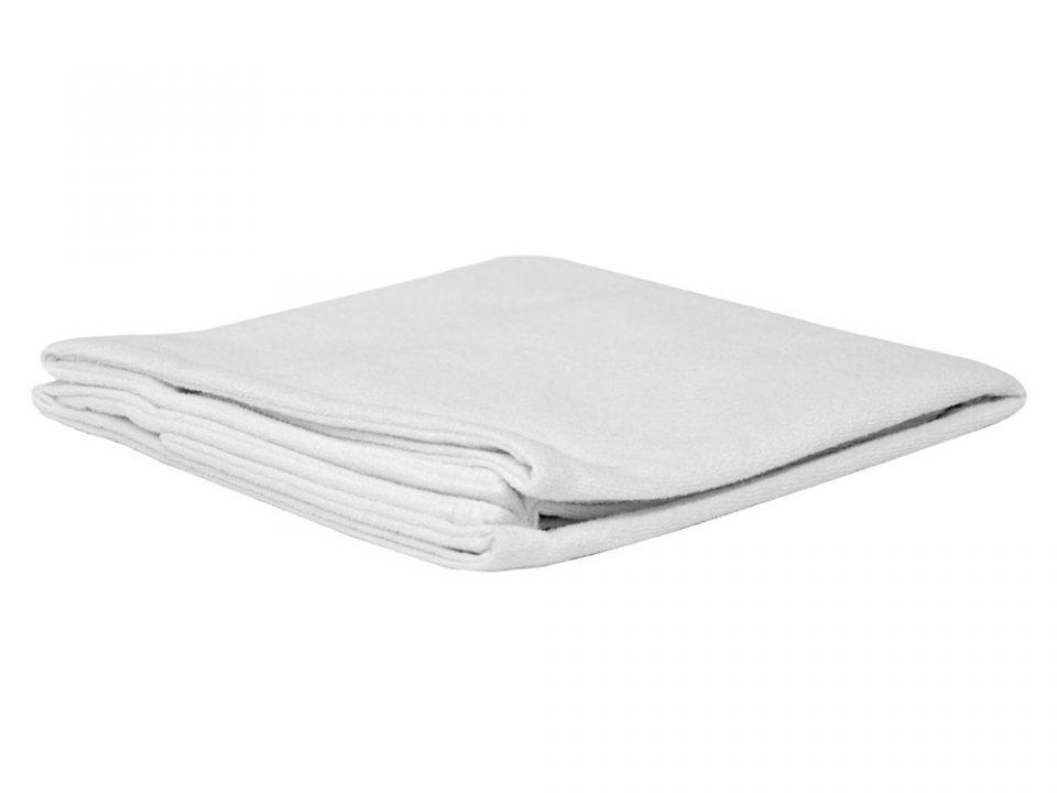 nesteitä läpäisemätön tyynyliina